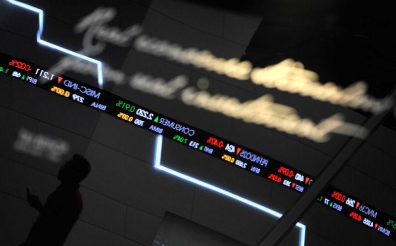 Review Pasar Modal Sepekan: IHSG Terungkit 0,63 Persen
