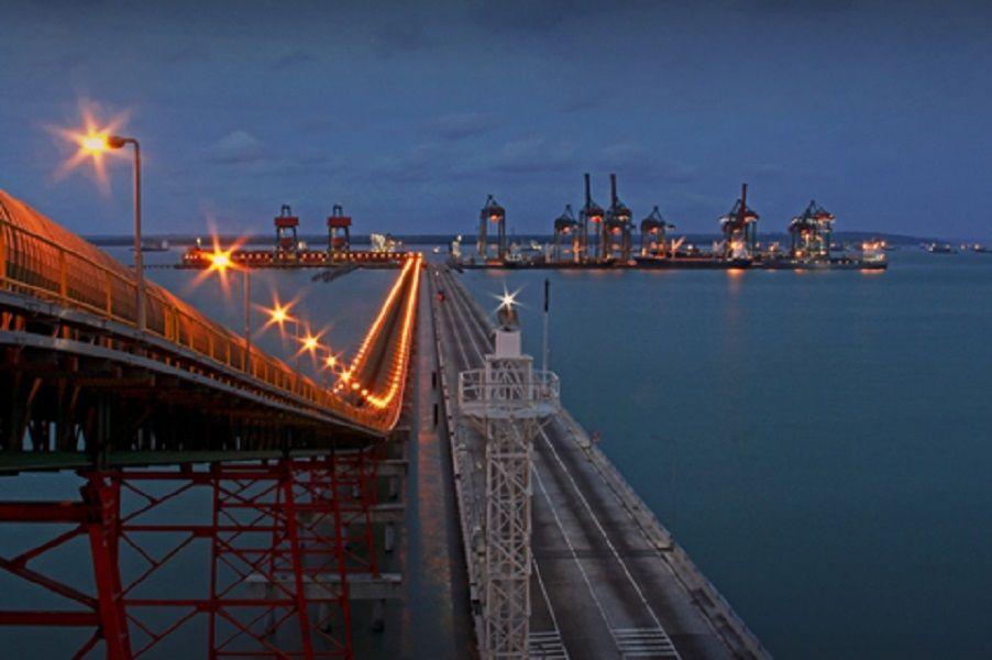 Perdagangan Internasional Menggeliat, Pelindo III Catat Peningkatan Arus Kapal dan Barang