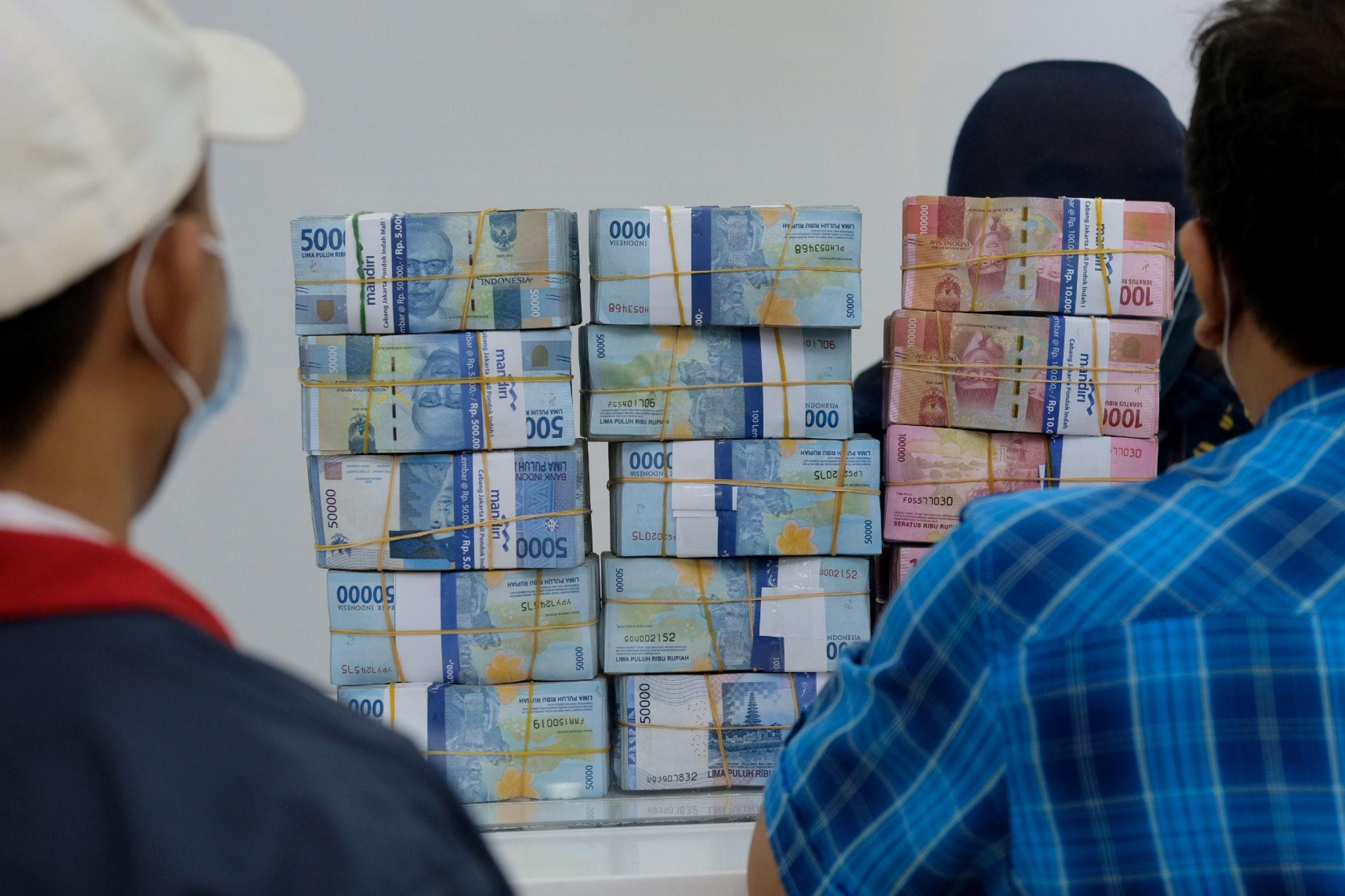 Kurs Dollar Hari Ini: Jelang Tappering Off, Rupiah Diprediksi Melemah ke Level Rp14.300