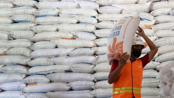 perum-bulog-serap-1-juta-ton-beras-petani-di-seluruh-indonesia