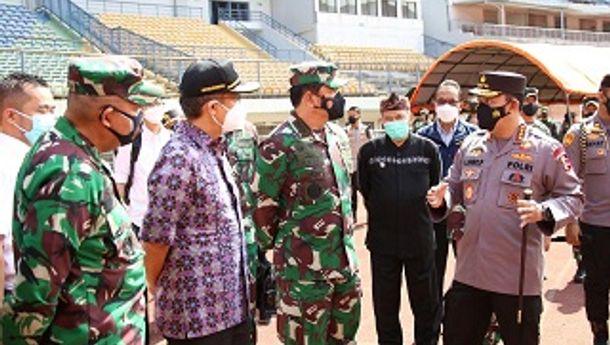 Tinjau Vaksinasi di Bandung, Panglima dan Kapolri Ingin Program Vaksinasi Presiden 1 Juta 1 Hari Tercapai