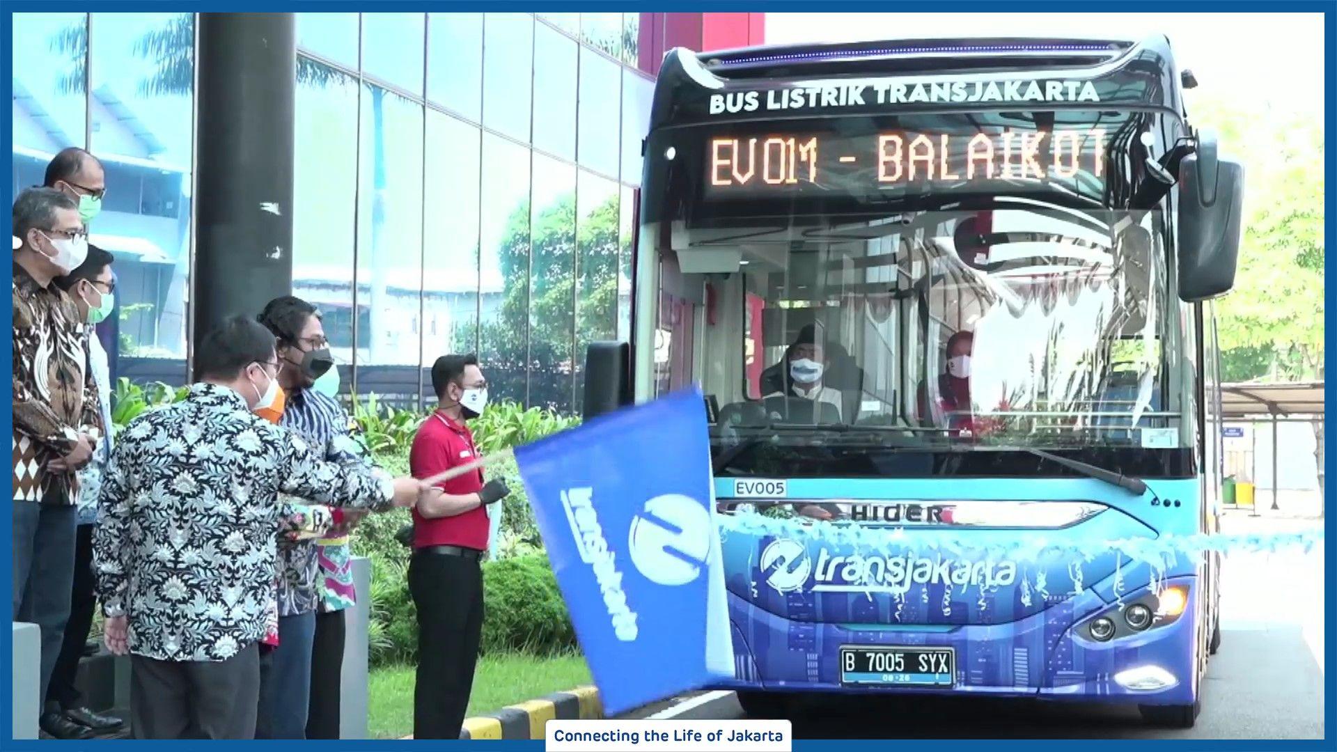 Gratis! Transjakarta Uji Coba Bus Listrik Rute Blok M - Balaikota