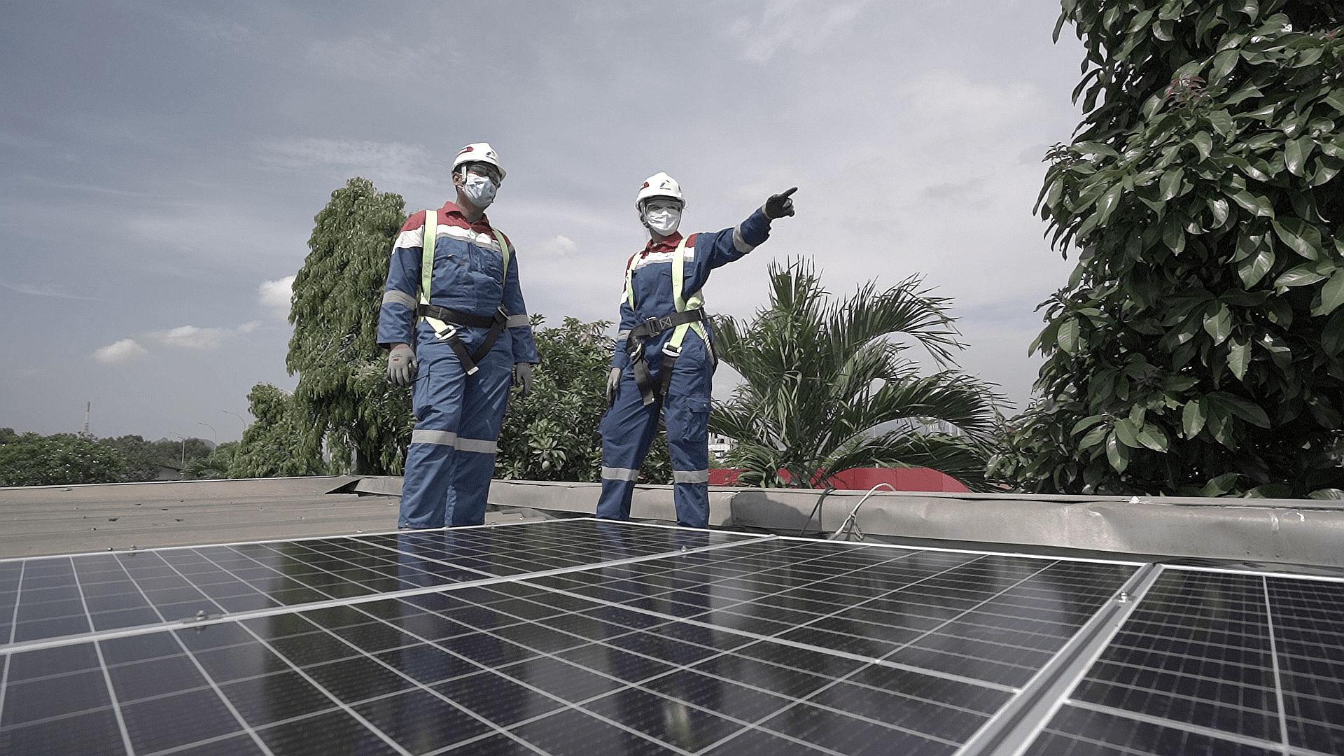 Menghemat Rp4 Miliar Setahun, Pertamina Target 5.000 SPBU Pasang PLTS Atap