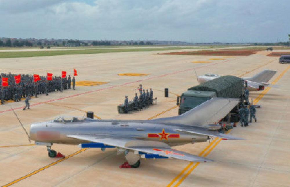 China Pamerkan Drone Daur Ulang dari Jet Tempur Era Soviet