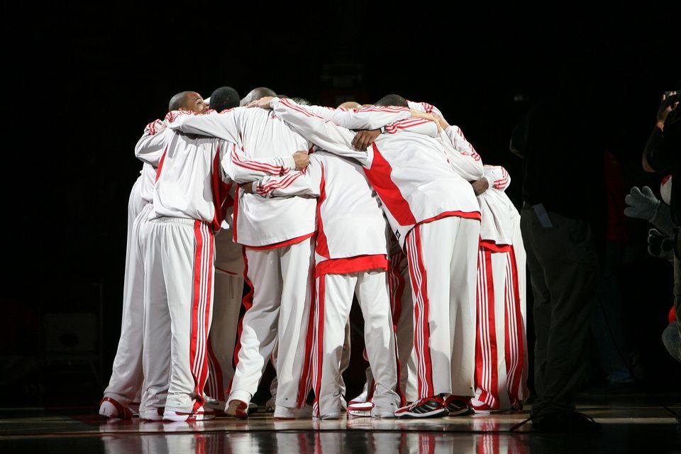 Équipe de Mbah A Moute (Houston Rockets) par KeithJJ - Pixabay CC0<br>