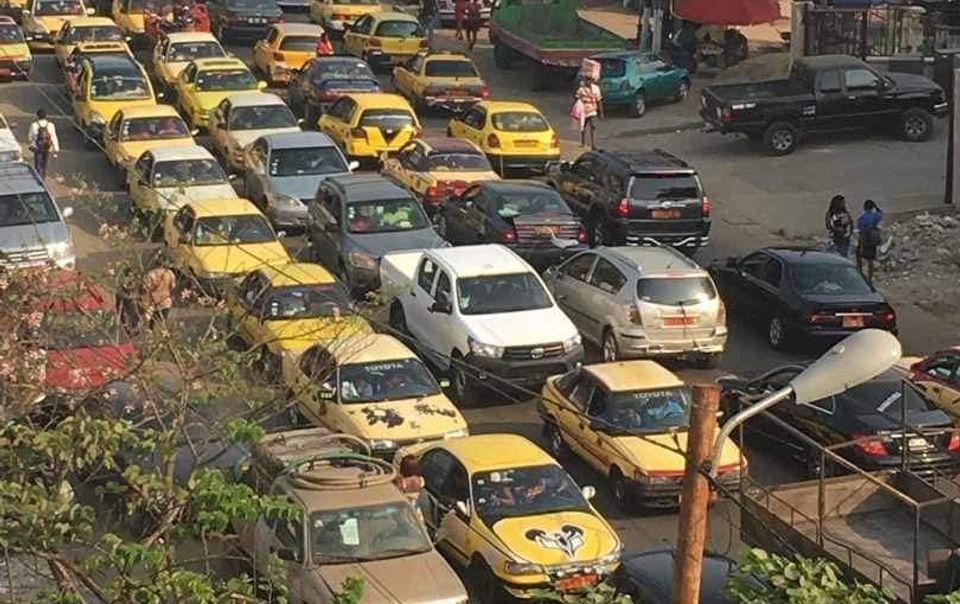 Haywire streetlights cause traffic jam in Buea