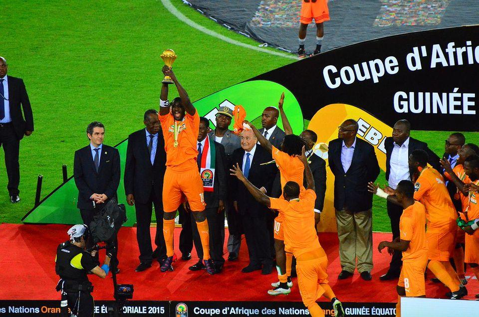 Yaya Touré et la CIV à la CAN 2015 PARBen Sutherland, Crystal Palace, Londres, UK - Wikimédia Commons CC BY 2.0