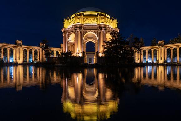 Palace of Fine Art at night