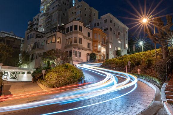 Lombard Street at night, up