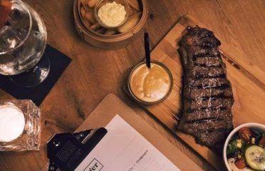 Ginger Burger, Steak & Karaoke Bar