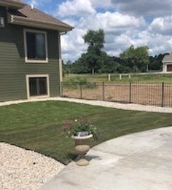 Brookfield Lawn Care & Mowing