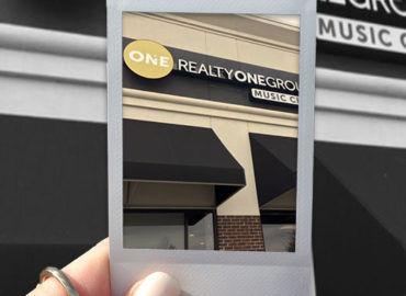 Elizabeth Leanza Realty One Group – Realtor
