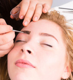 Awaken Your Inner Diva With Brow Shaping and Lash Extensions