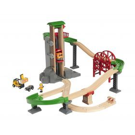 BRIO Set - Lift and Load Warehouse Set, 32 pieces