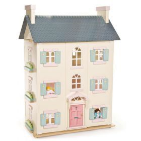 Le Toy Van Cherry Tree Hall with Sugar Plum Furniture