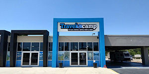 Brooksville | Facade | Travelcamp