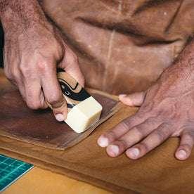 Heavy Duty Fabric Wax: Alternate Image 1