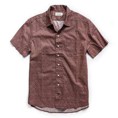 The Short Sleeve Hawthorne in Burgundy Trellis