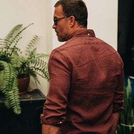 fit model wearing The Jack in Rust Linen, back shot