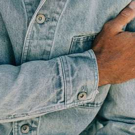fit model wearing The Ojai Jacket in Washed Denim, sleeve shot