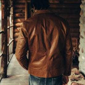 fit model wearing The Cuyama Jacket in Cognac, back shot