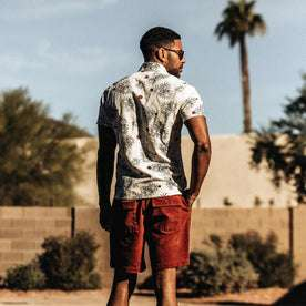 our fit model wearing The Short Sleeve California in Palms