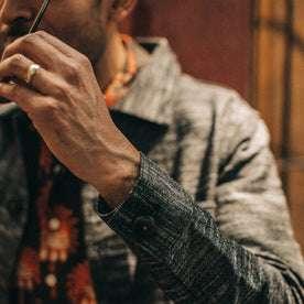 fit model wearing The Ojai Jacket in Black Cross Dye, sleeve detail