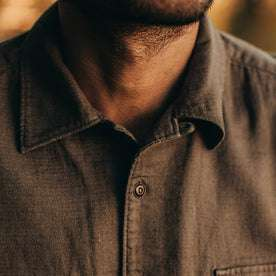 our fit model wearing The Corso in Walnut Double Cloth—cropped shot of collar