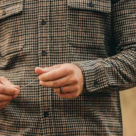 our fit model wearing The Leeward Shirt in Houndstooth showing cuff detail of sleeve