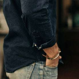 our fit model wearing The Jack in Indigo Oxford