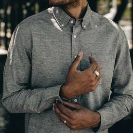our fit model wearing The Jack in Charcoal Fleck—cropped shot of chest