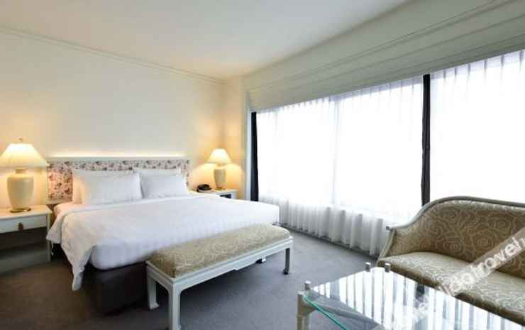 Grand China Hotel Bangkok - Deluxe Room with River View And Balcony