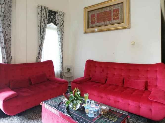 LOBBY OYO 3529 Residence Jessy Syariah
