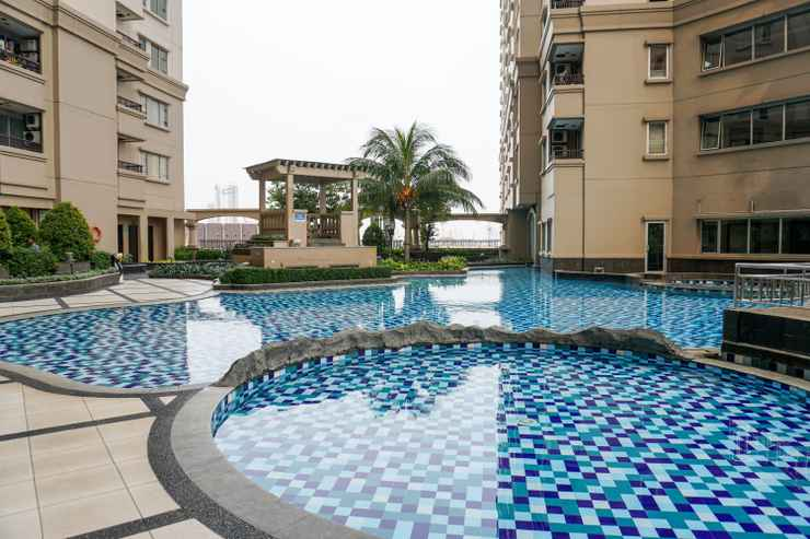 SWIMMING_POOL 3BR Exclusive Sea View Ancol Mediterania Apartment By Travelio