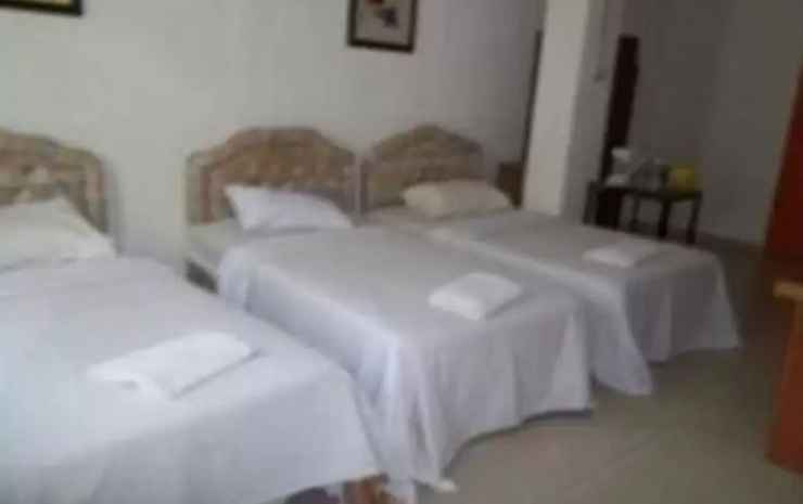 Sam Huat Hotel Johor - Triple Room Twin Beds without Window - Room Only FC