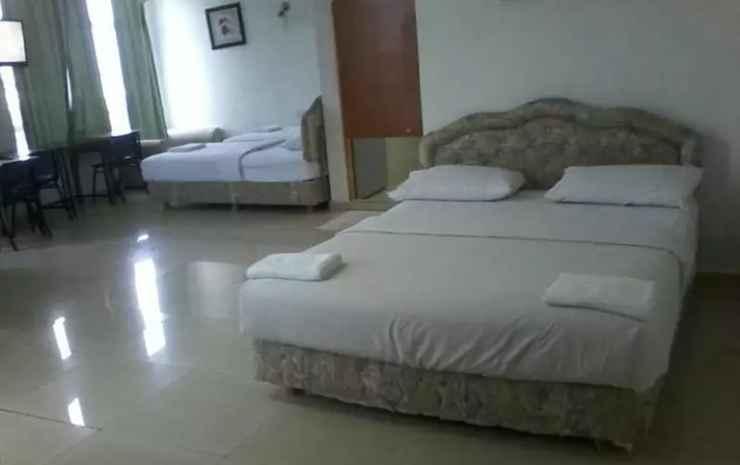 Sam Huat Hotel Johor - Deluxe Quadraple Room - Room Only NR