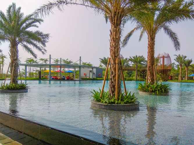 SWIMMING_POOL Studio New Furnished Sea View @ Gold Coast Apartment By Travelio