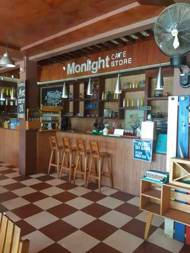 BAR_CAFE_LOUNGE Novie's Guest House Syariah