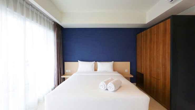 BEDROOM Best Price Studio Apartment at Green Kosambi near Braga By Travelio