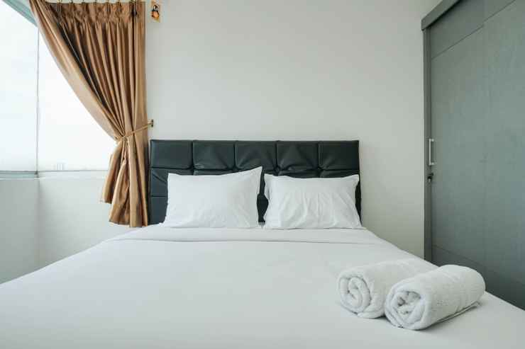 BEDROOM Spacious and Comfy 1BR Green Central City Apartment By Travelio