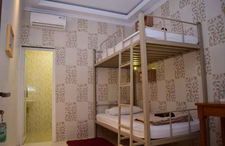 BEDROOM The Cabin Purwokinanti Hotel