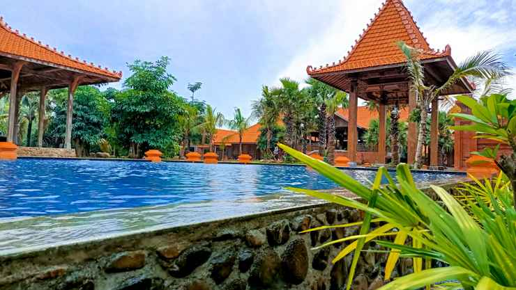 SWIMMING_POOL Ono Joglo Resort and Convention