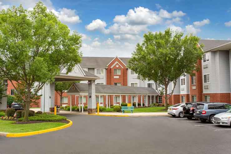 Featured Image Microtel Inn & Suites by Wyndham Philadelphia Airport