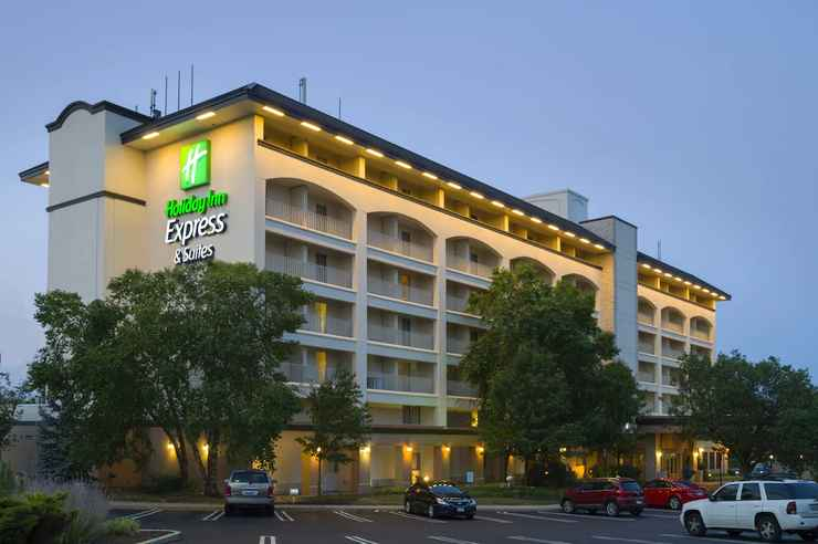 Featured Image Holiday Inn Express Hotel & Suites King of Prussia