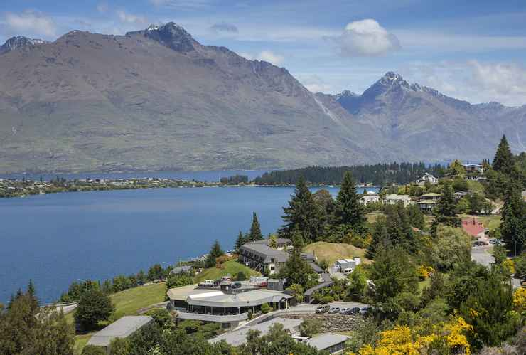 Featured Image Holiday Inn Queenstown Frankton Road