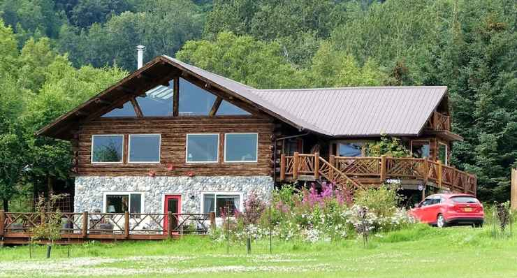 Featured Image Juneberry Lodge
