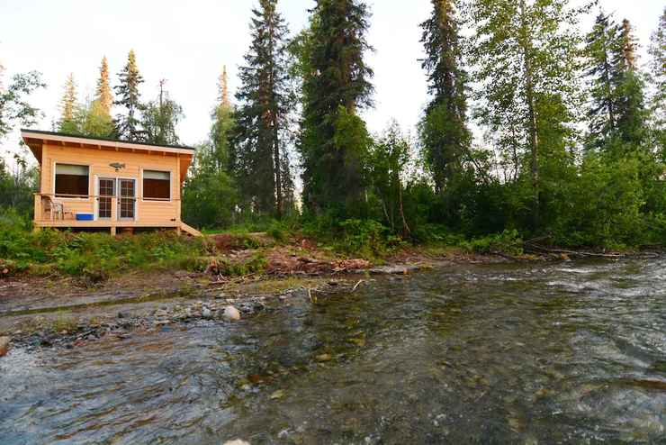 Featured Image Talkeetna Cabins on Montana Creek