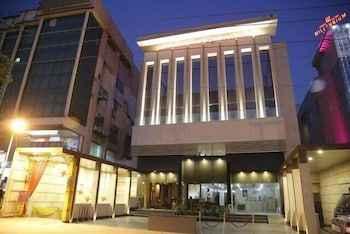 Featured Image Mahalakshmi Palace hotel