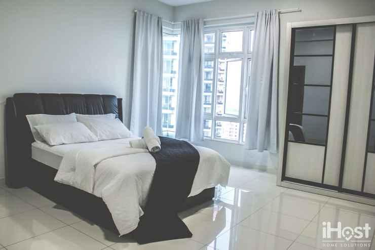 Room Royal Regent Condominium by iHost