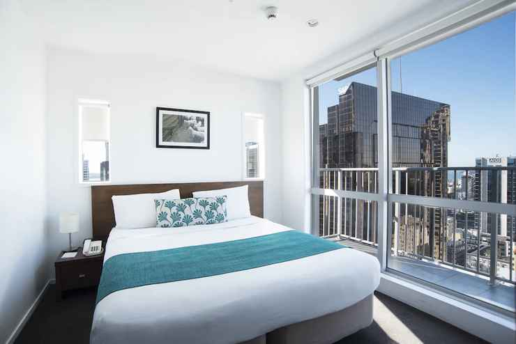 Featured Image Barclay Suites